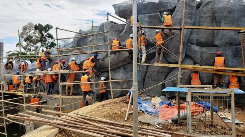 Minilik ll Enclosure Construction work force